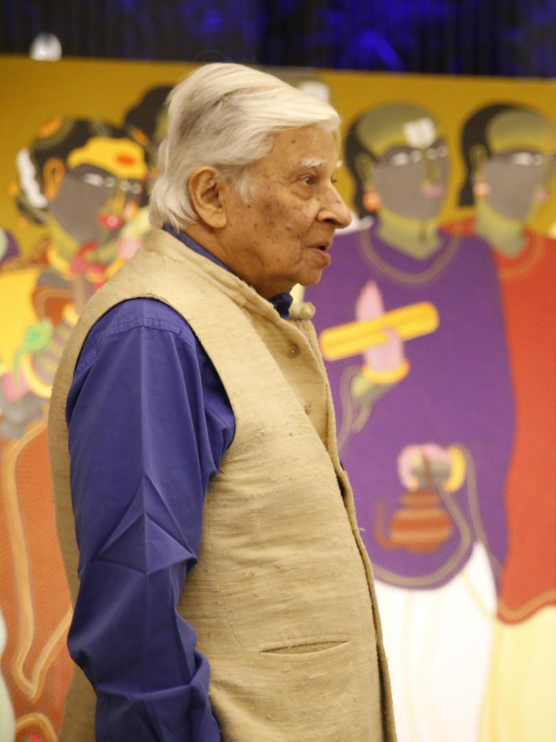 Krishen Khanna admiring Black Cube's curation of Thota Vaikuntam