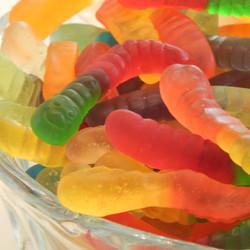 gummy_worms_howe__53516.1477064848