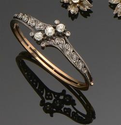 Bracelet_Jonc_en_or_rose_et_diamants_-_A