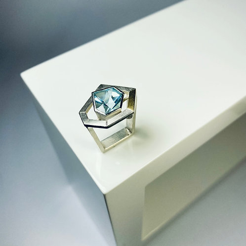 Ring mit Blautopas - 21 Century