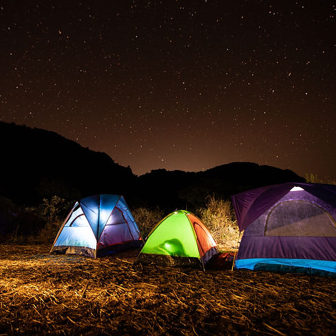 travelers-tents-middle-mountain-night-wi