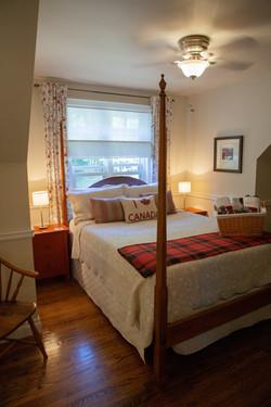 The cozy Lake Huron Suite