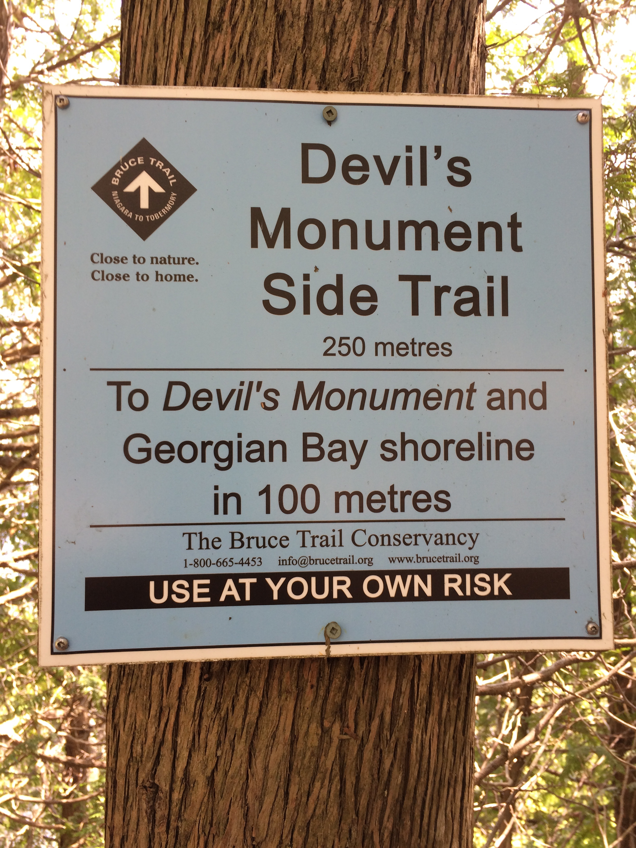 Devils monument trail