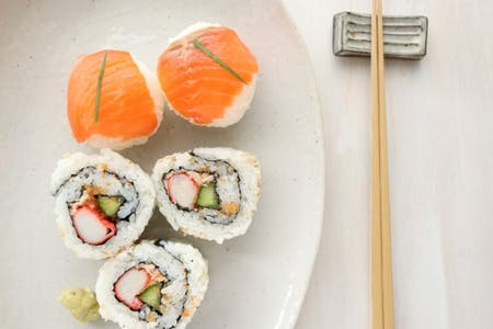 Japanese food - how to make sushi