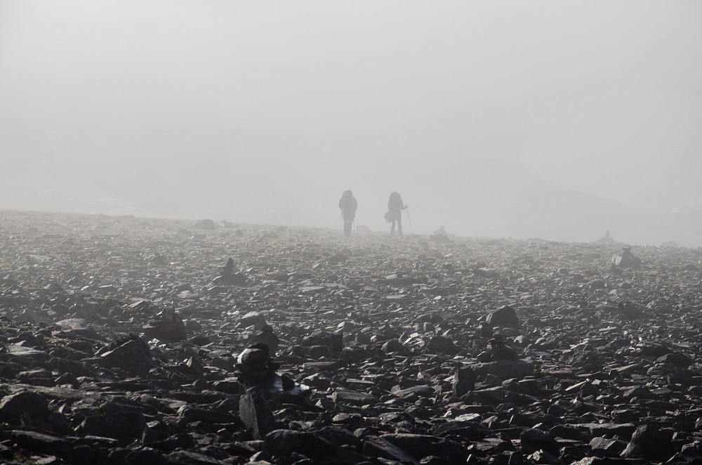 hiking couple travel