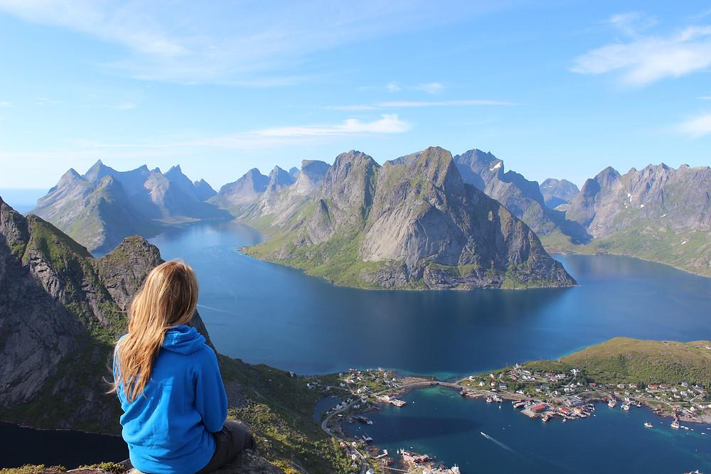 solo girl mountain view