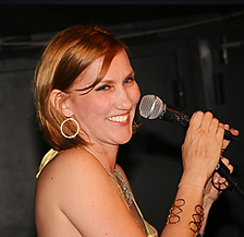 Lisa Kirchner performing.png