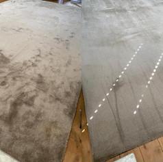 velours tapijt voor en na foto dieptereiniging