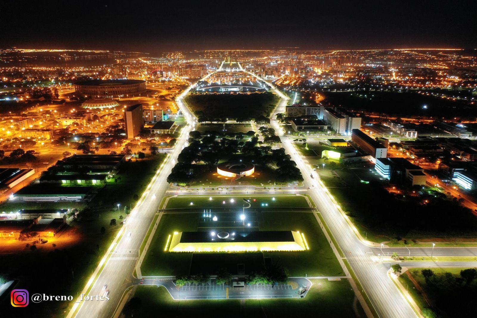 Brasília noturna