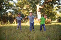 Bellino- boys running LOGO