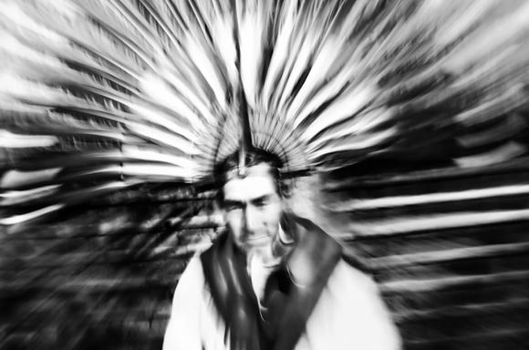 Moxeño II. Tocado de representación al sol, 2012