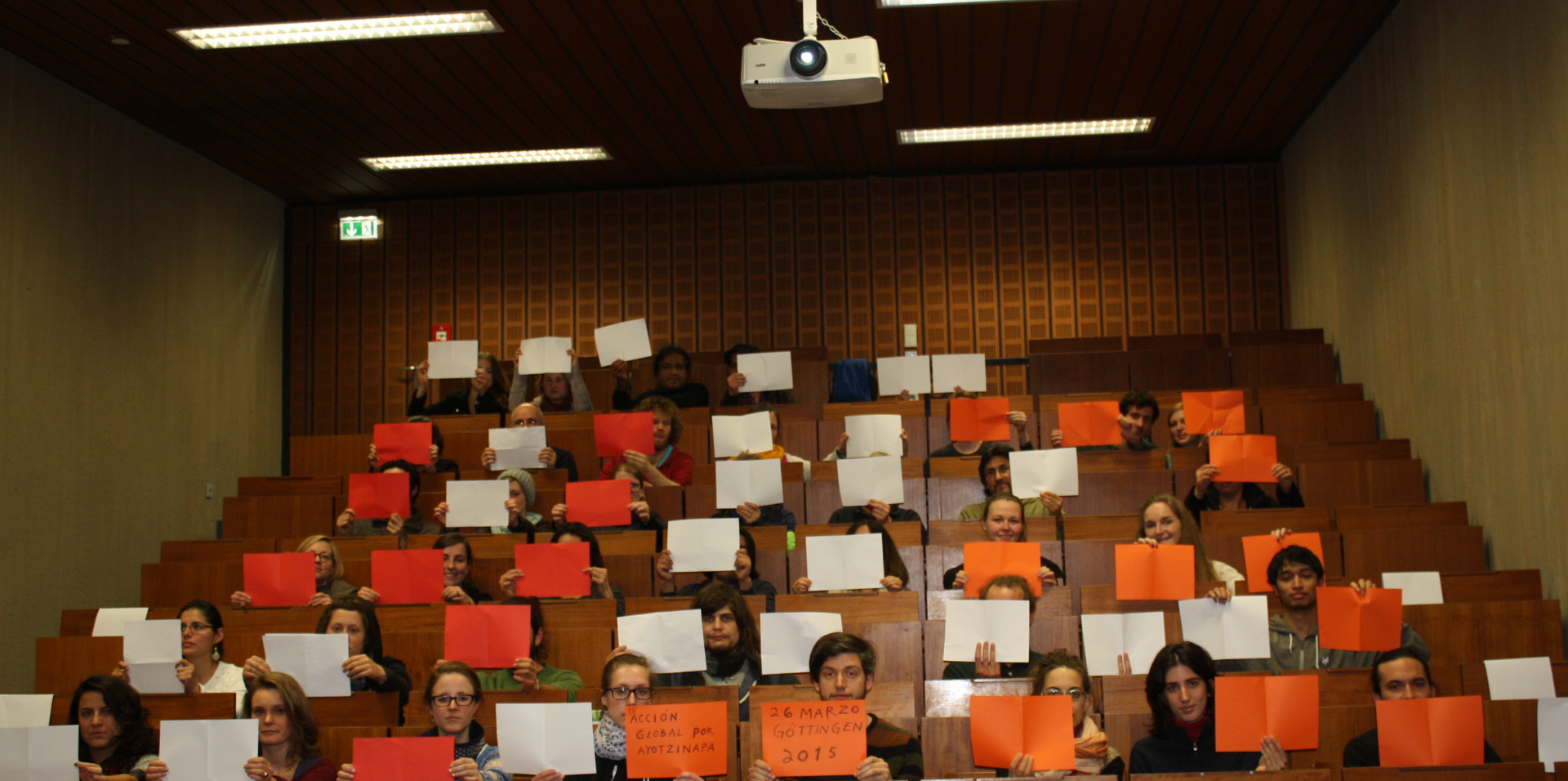 Cine- Debate: 6 meses de la desaparición forzada de 43 estudiantes. Film: Heli