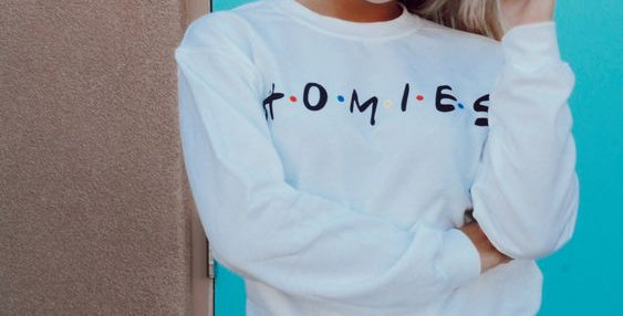FRIENDS logo crew neck sweatshirt