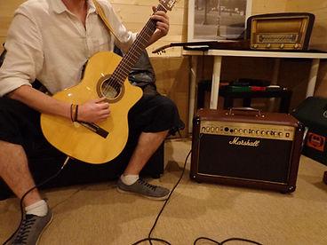 Guitare classique kremona et ampli marshall albaynac musique