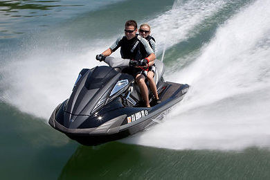 2011-Yamaha-FX-HO-Action06.jpg