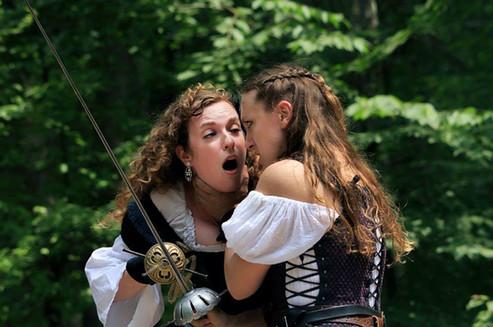 Romeo & Juliet, Vixens En Garde