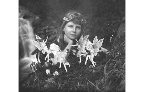cottingley-fairies_1466870c