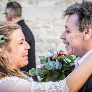 Brautpaar beim Gratulieren