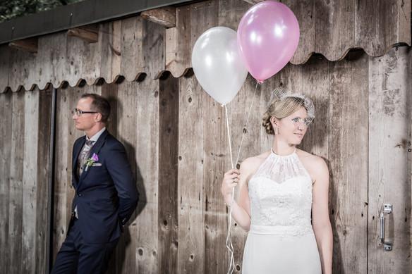 Braut mit Luftballons Hochzeitsfotografie Aying