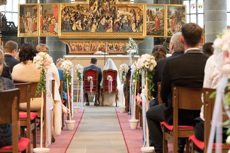 Romantische Hochzeitsfotografie in der St. Michael Kirche in Schwäbisch Hall