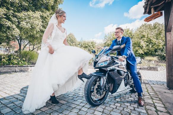 Das Motorrad mit dabei Hochzeitbilder Dinkelsbühl