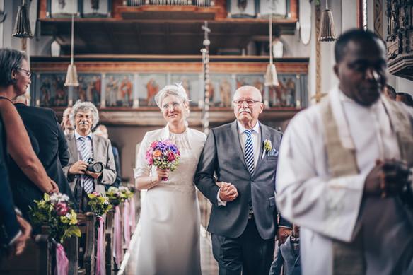 Emotionaler Einzug der Braut Hochzeit Aying