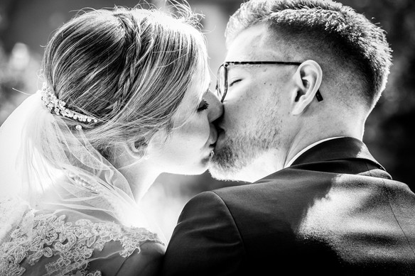 Romantischer Kuss Hochzeitsfotografie Dinkelsbühl