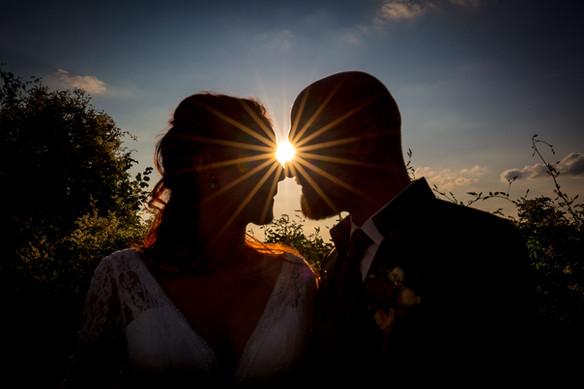 Brautpaar im Sonnenuntergang Hochzeitsfotografie Wiesenthau