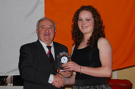 Niamh-receiving-award1.jpg