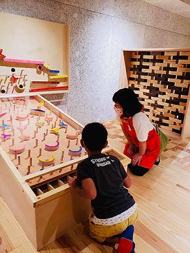 ④HTMおもちゃ学芸員活動1.jpg
