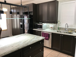 Black Bean (Expresso) cabinets