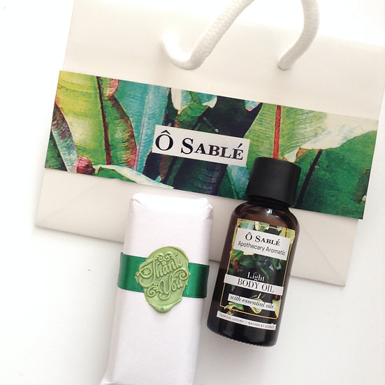 Gift Set Apothecary Aromatic (Light Body Oil + Soap)