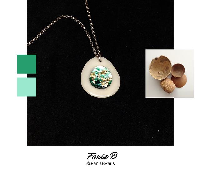 Canvas pendant - Emerald Mystery No.1.