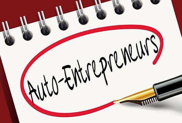 L'image représente une photo avec le texte auto entrepreneur