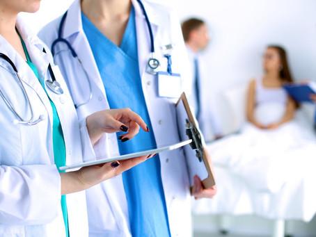 Contrat prévoyance maternité pour un médecin libéral en arrêt maladie