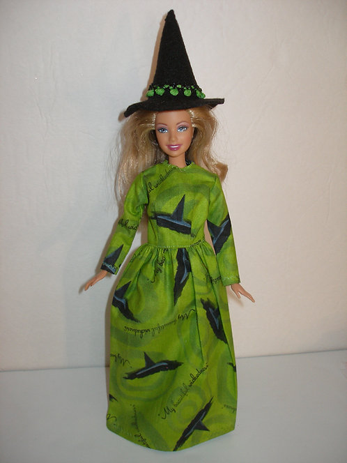 Green Witch Hat Gown w/Hat