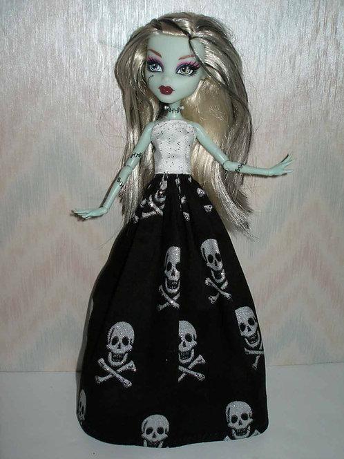 MH Silver Skull Gown w/boa