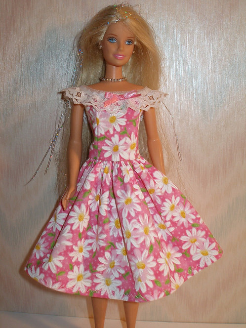 Pink and White Daisy Dress w/lace and ribbon