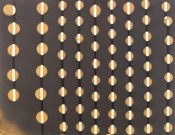 Oneindigheid 2 • Lak en plakband op hardboard
