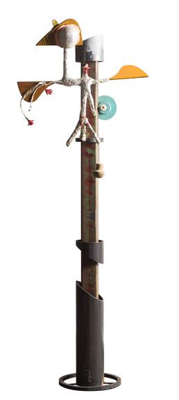Vogel en oog •  Assemblage van verschillende elementen: hout, metaal, zilverpapier, lak, touw en lampje