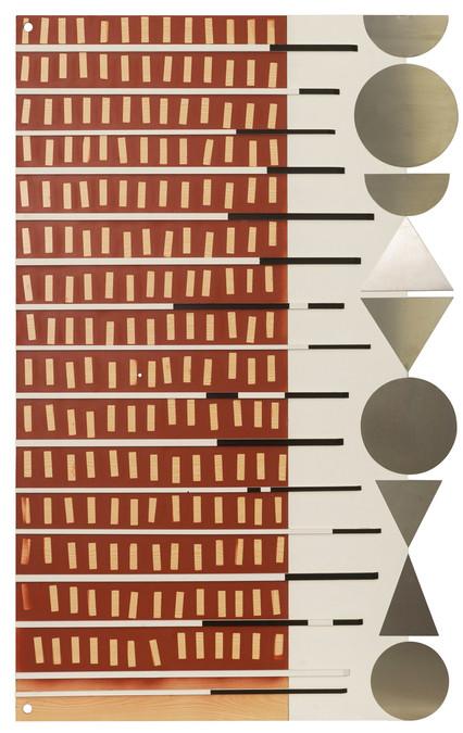 Assemblage van verschillende elementen: hout, lak, gesso en inox