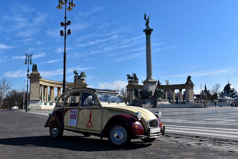 Le Troquet Budapest 2cv Delivery car