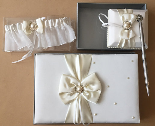 Bridal set ivory with pearls set of 3PCs.