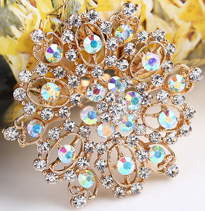 Brooches gold color
