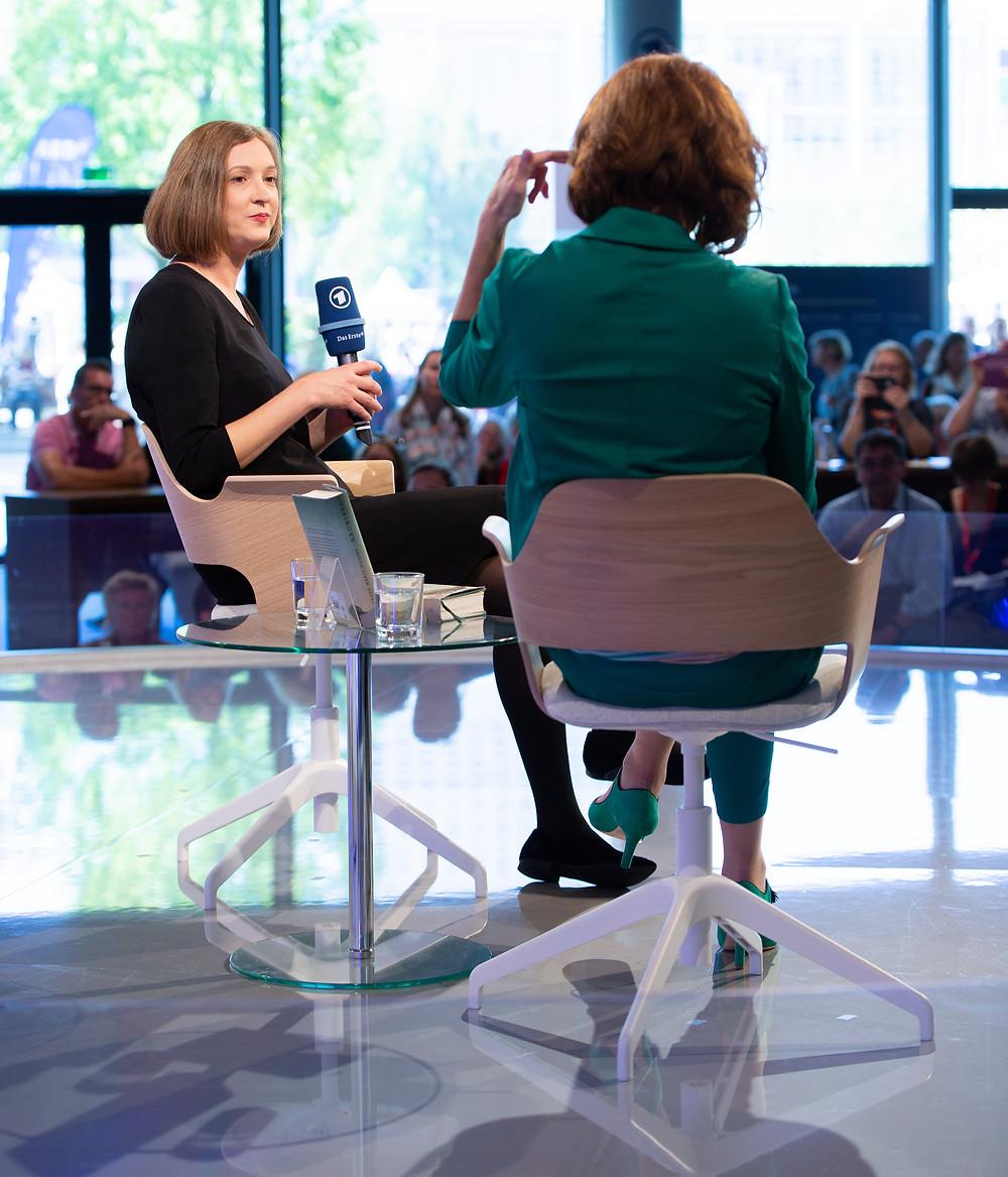 Cécile Schortmann und Inger-Maria Mahlke im Gespräch auf der Frankfurter Buchmesse 2018