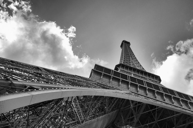 EiffelTower_0010bw-4x6.jpg