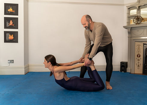 yoga classes near me, find yoga classes in kensington, yoga teacher in kensington, yoga teacher in london, how to manage stress