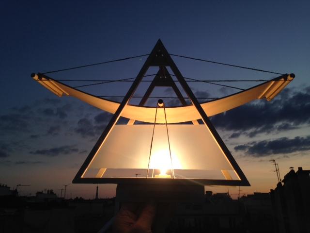 LAMPE TRIANGLE