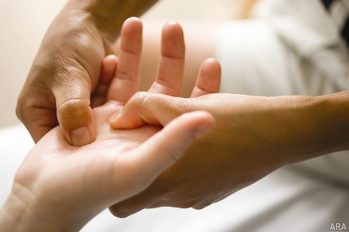 The Incredible Benefits of Hands Therapeutic Massages|Family Massage Coral Springs