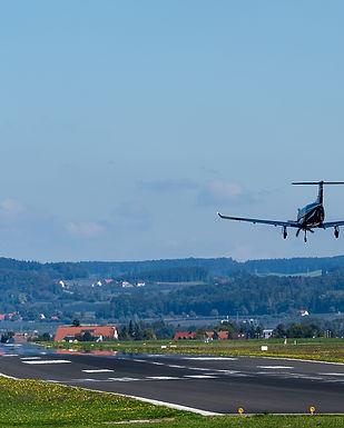aircraft-3702679.jpg